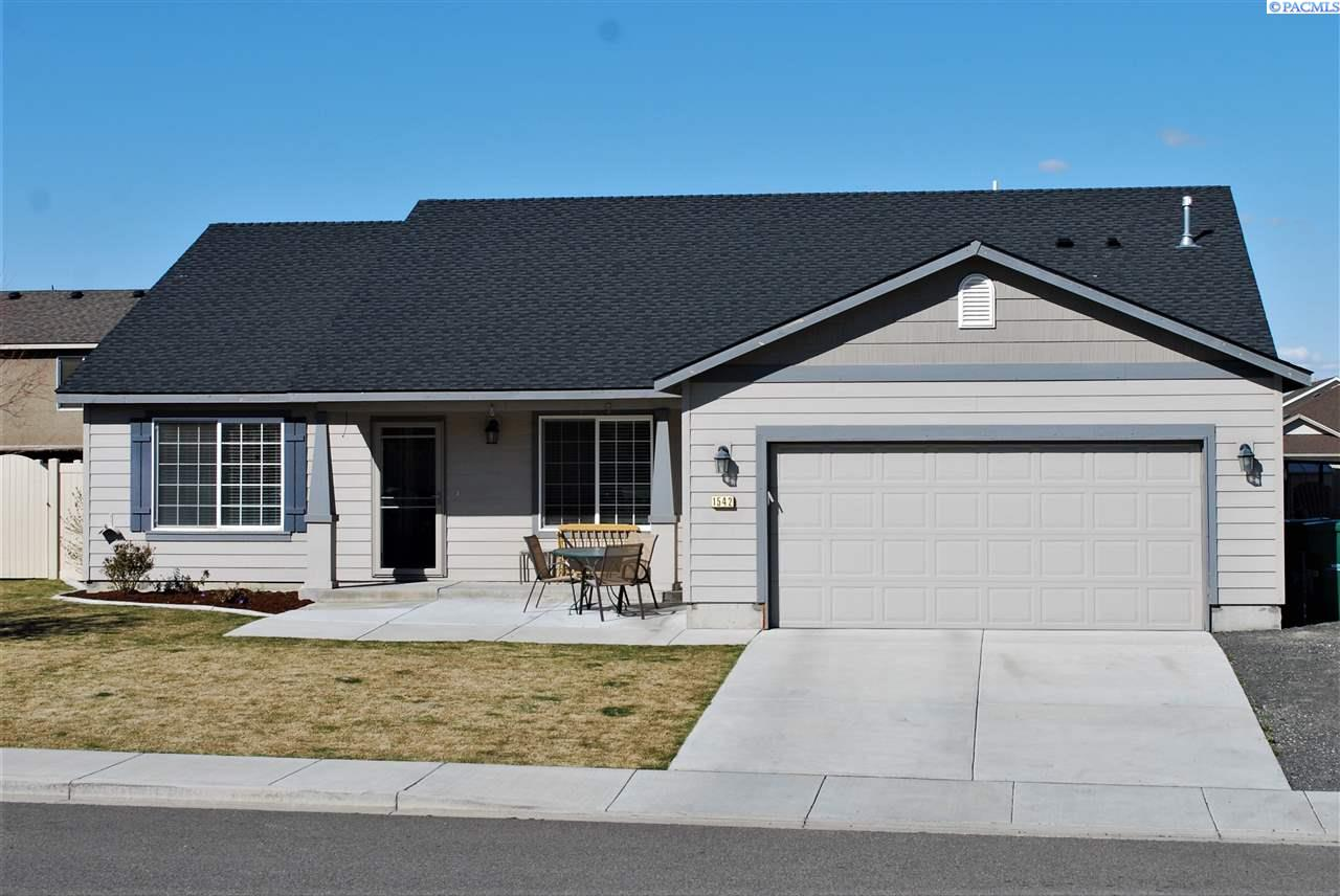 Single Family Home for Sale at 1542 W 44th Ave 1542 W 44th Ave Kennewick, Washington 99337 United States