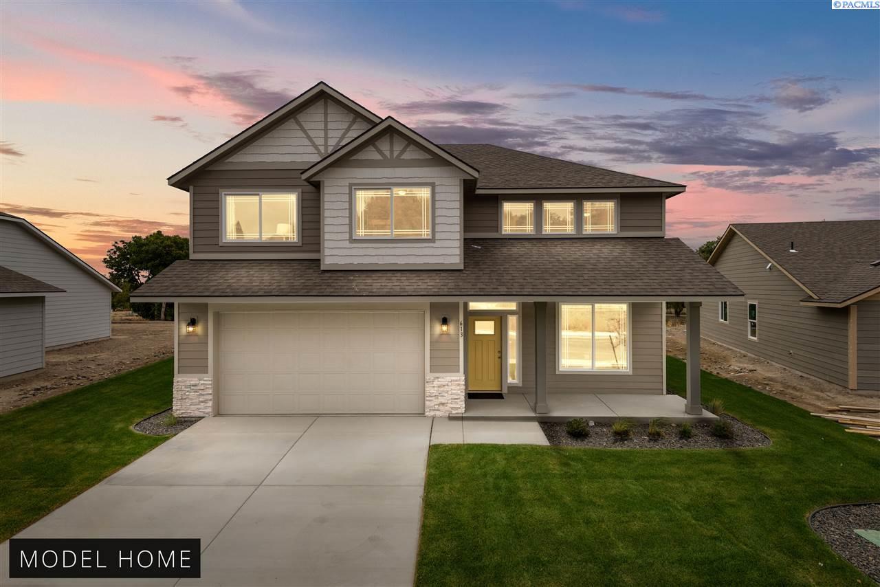 Single Family Homes for Sale at 613 E 35th Avenue Kennewick, Washington 99337 United States