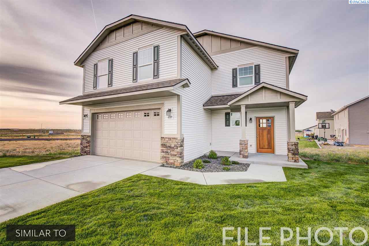 Single Family Homes for Sale at 645 E 35th Avenue Kennewick, Washington 99337 United States