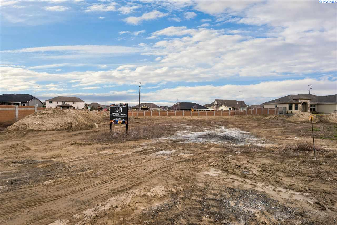 Land for Sale at 8770 W 11th Kennewick, Washington 99338 United States