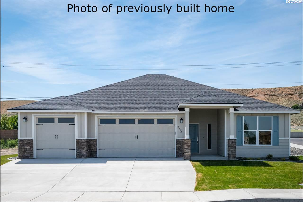 Single Family Homes for Sale at 3129 S Young Place Kennewick, Washington 99338 United States