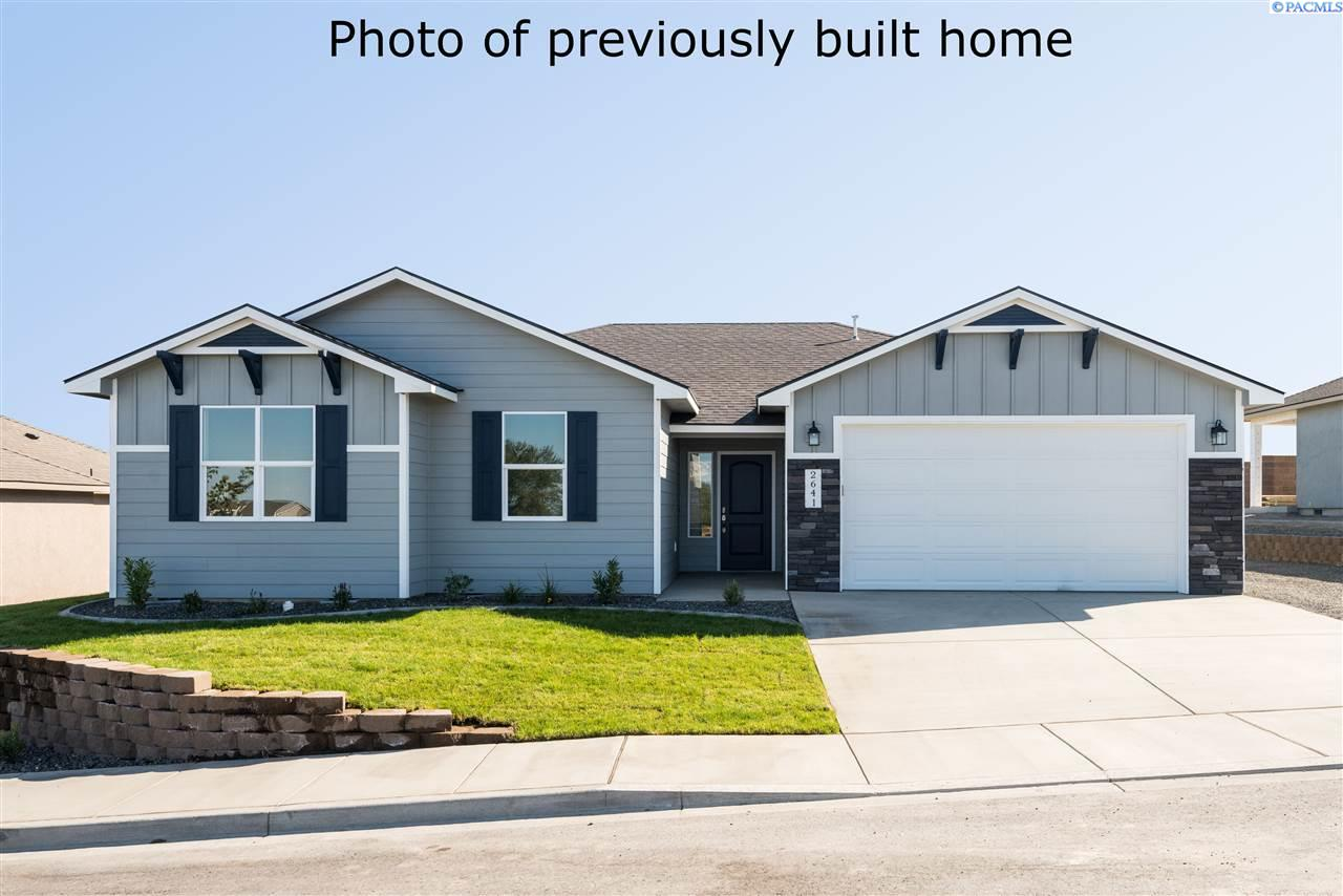Single Family Homes for Sale at 7007 W 33rd Place 7007 W 33rd Place Kennewick, Washington 99338 United States