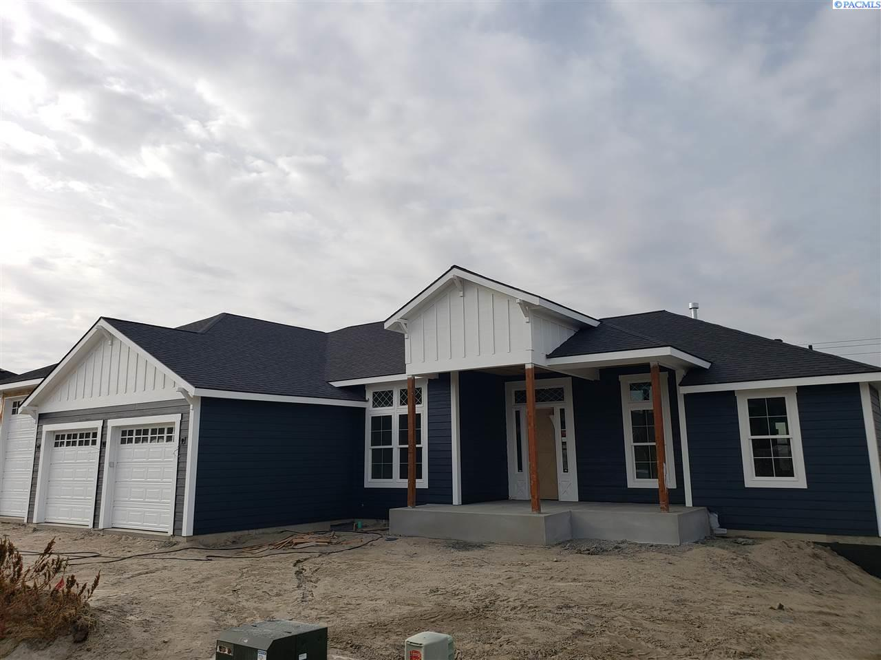 Single Family Homes for Sale at 728 S Pittsburgh Street Kennewick, Washington 99336 United States