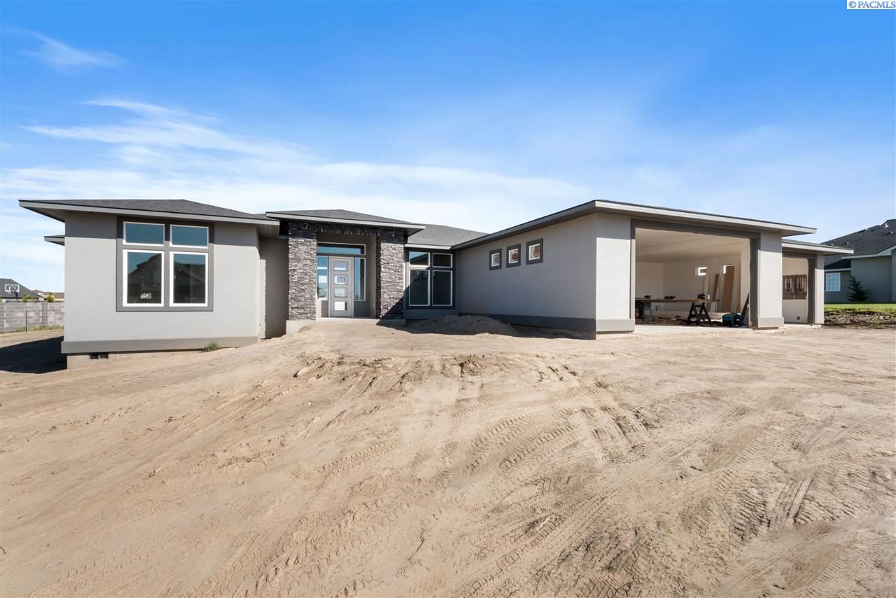 Single Family Homes for Sale at 6413 Eagle Crest Pasco, Washington 99301 United States