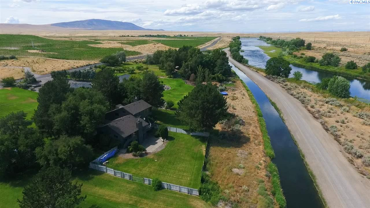 Single Family Homes for Sale at 106905 N Harrington Road West Richland, Washington 99353 United States