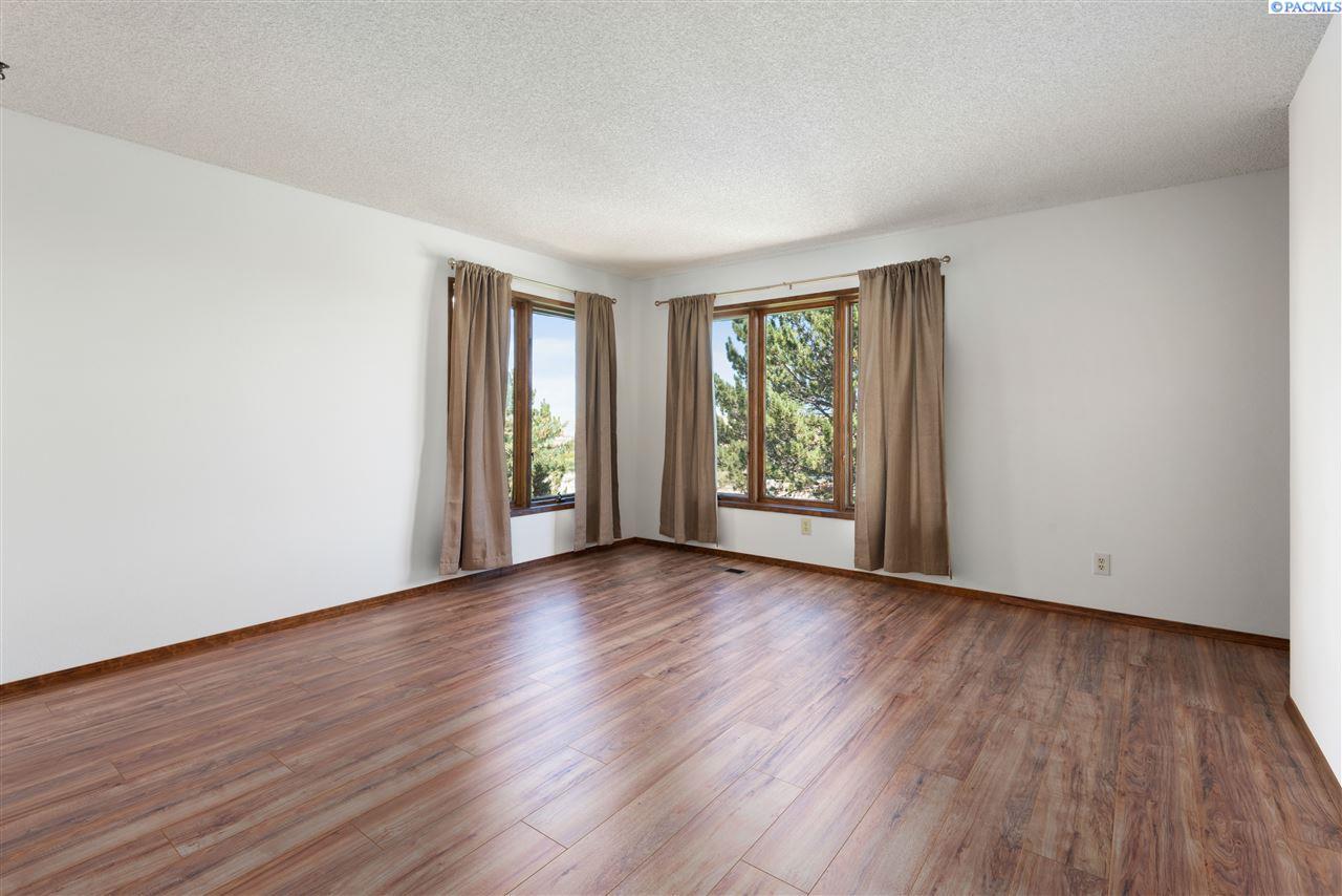 Additional photo for property listing at 106905 N Harrington Road West Richland, Washington 99353 United States