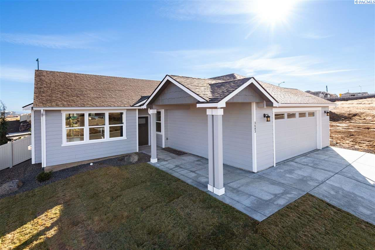 Single Family Homes for Sale at 3683 S Taft Street 3683 S Taft Street Kennewick, Washington 99338 United States