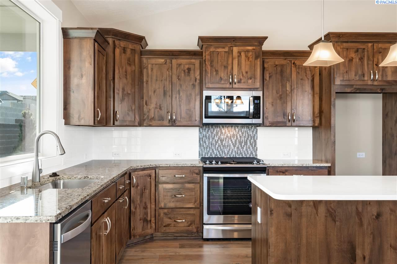 Additional photo for property listing at 3683 S Taft Street Kennewick, Washington 99338 United States