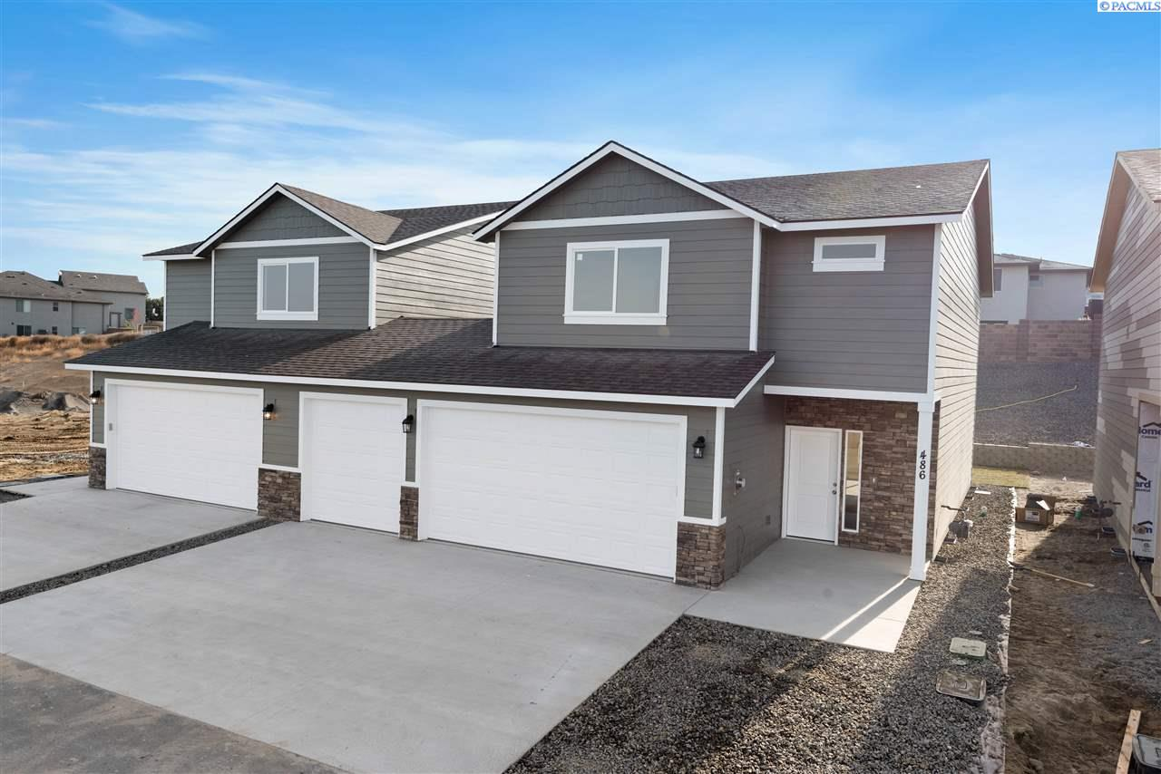 Single Family Homes for Sale at 486 Bedrock Loop West Richland, Washington 99353 United States
