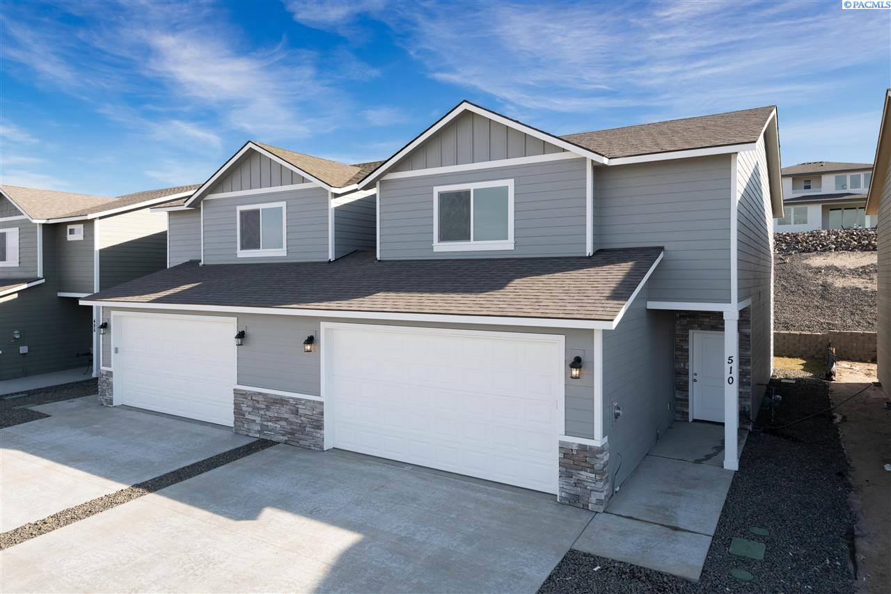 Single Family Homes for Sale at 510 Bedrock Loop West Richland, Washington 99353 United States