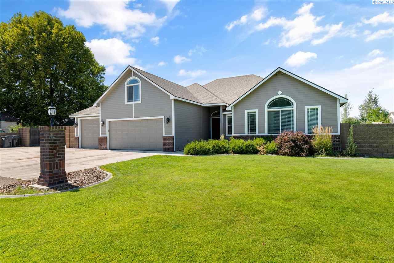 Single Family Homes for Sale at 1716 Road 56 Pasco, Washington 99301 United States