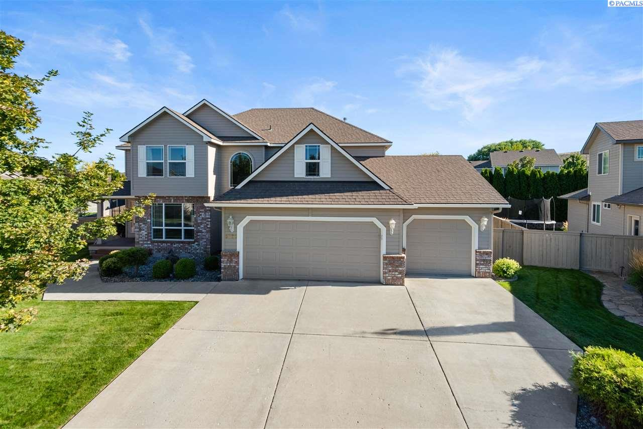 Single Family Homes for Sale at 5723 W 12th Avenue Kennewick, Washington 99338 United States