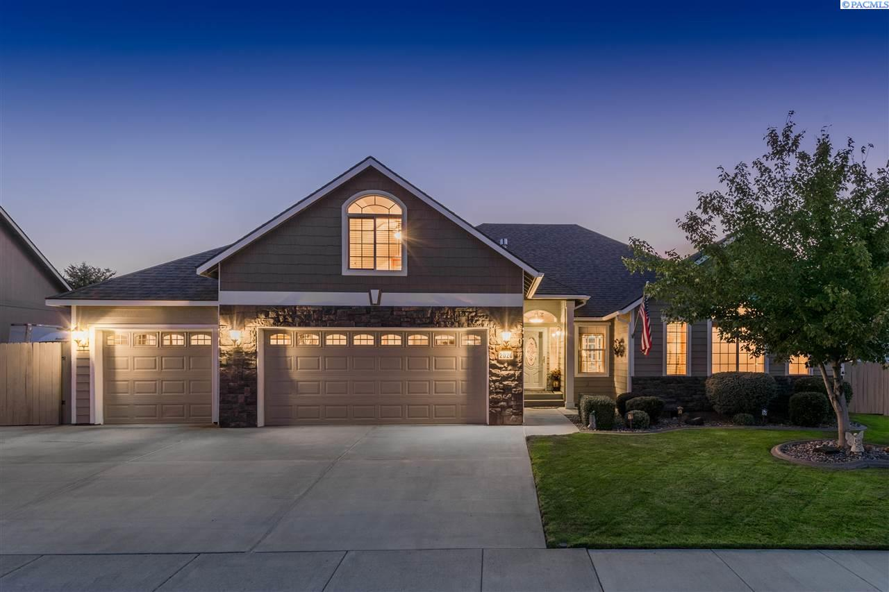 Single Family Homes for Sale at 2020 S Sheppard Place 2020 S Sheppard Place Kennewick, Washington 99338 United States