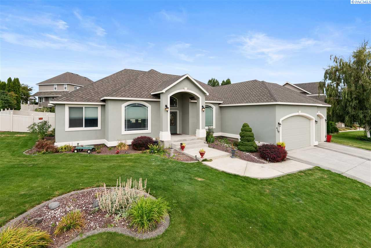 Single Family Homes for Sale at 4202 W 34th Avenue Kennewick, Washington 99337 United States