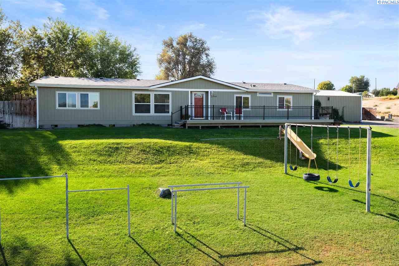 Manufactured Home for Sale at 3905 E CORRAL CREEK Road Benton City, Washington 99320 United States
