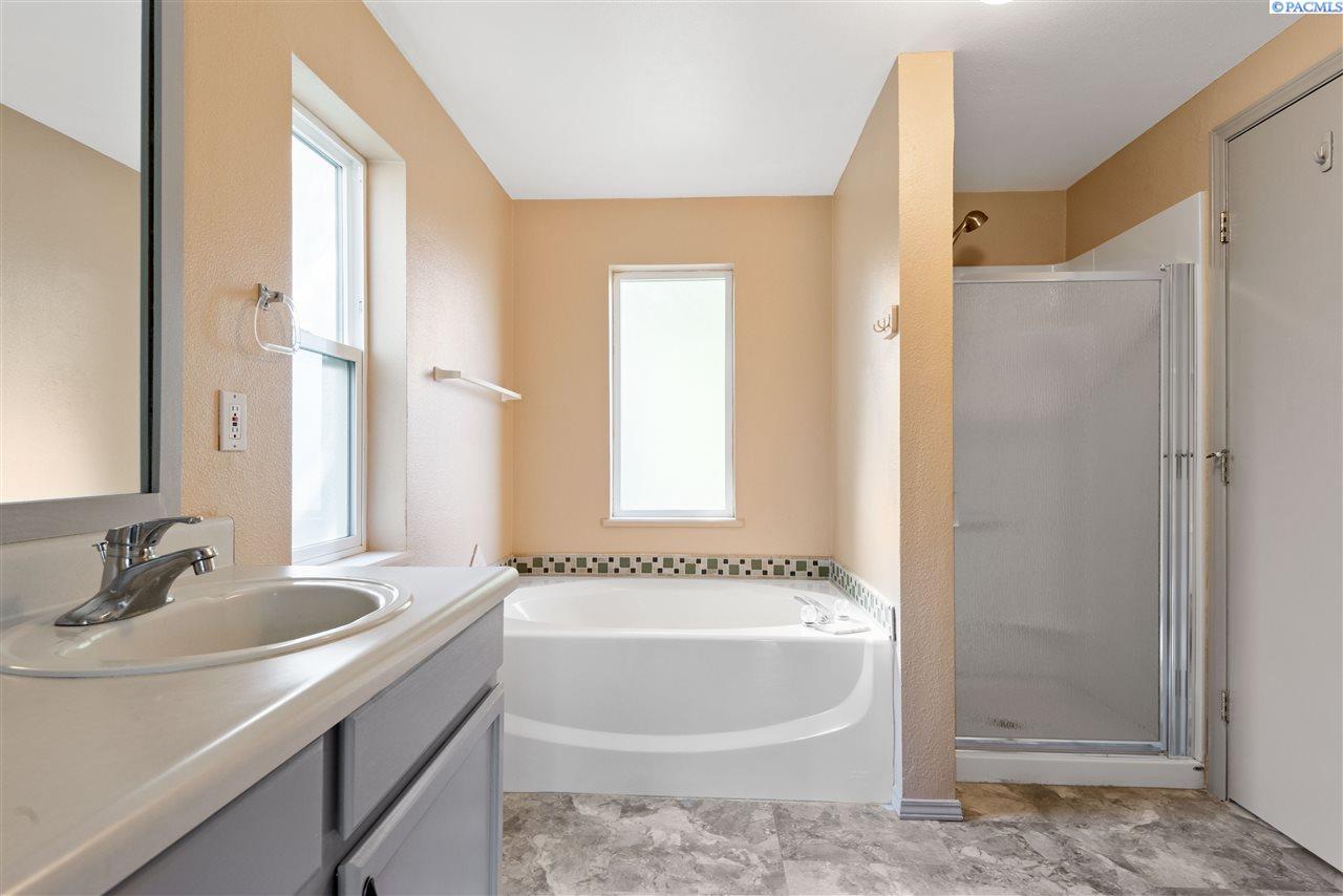 Additional photo for property listing at 3905 E CORRAL CREEK Road Benton City, Washington 99320 United States