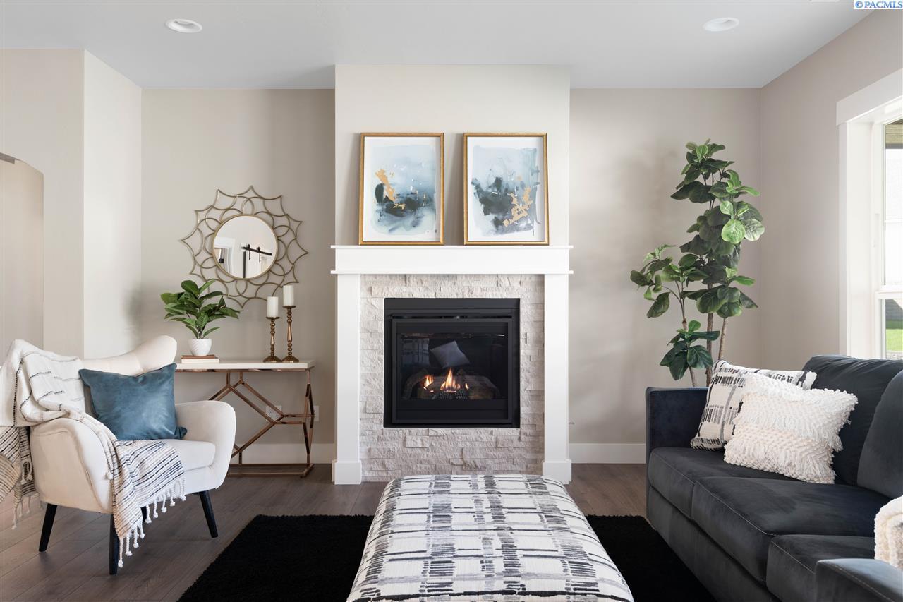 Single Family Homes for Sale at 2843 Mackenzie Court Richland, Washington 99352 United States
