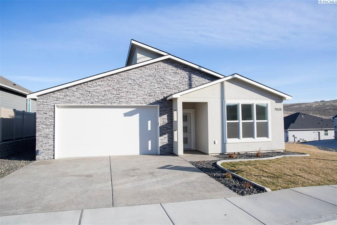 Single Family Homes for Sale at 7028 W 32nd Avenue Kennewick, Washington 99338 United States
