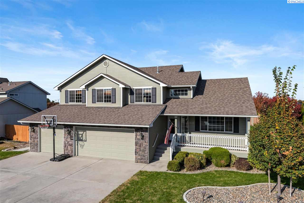 Single Family Homes for Sale at 8616 W 1st Kennewick, Washington 99336 United States