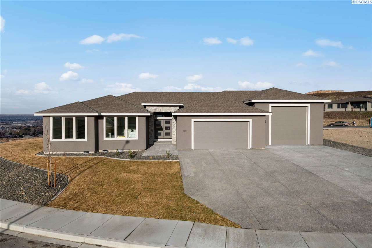 Single Family Homes for Sale at 2269 S BELFAIR Street Kennewick, Washington 99337 United States