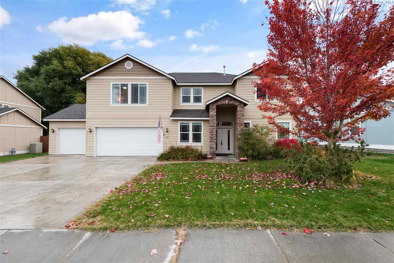 Single Family Homes for Sale at 305 S Quay Street Kennewick, Washington 99336 United States