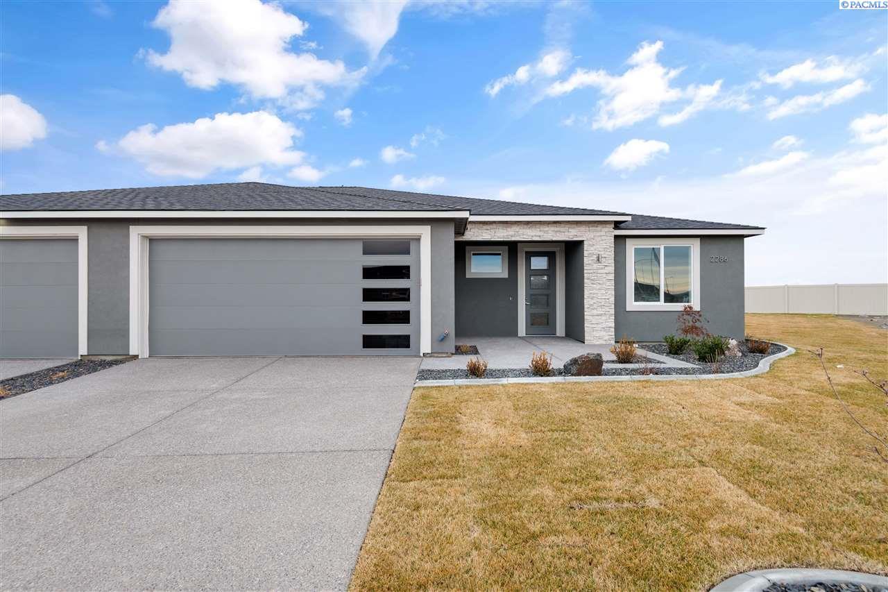 Single Family Homes for Sale at 2286 VENETO Street Richland, Washington 99354 United States