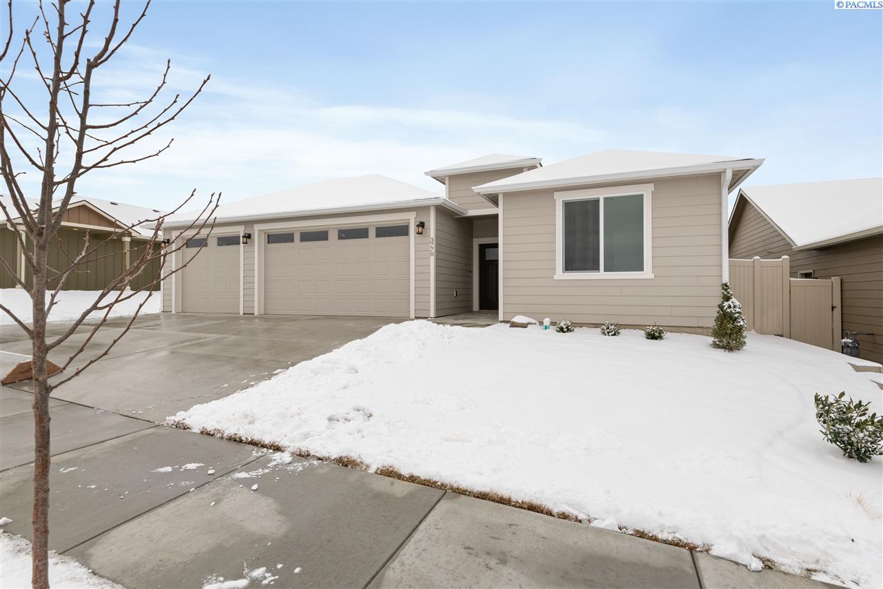 Single Family Homes for Sale at 3770 S Taft Street Kennewick, Washington 99338 United States