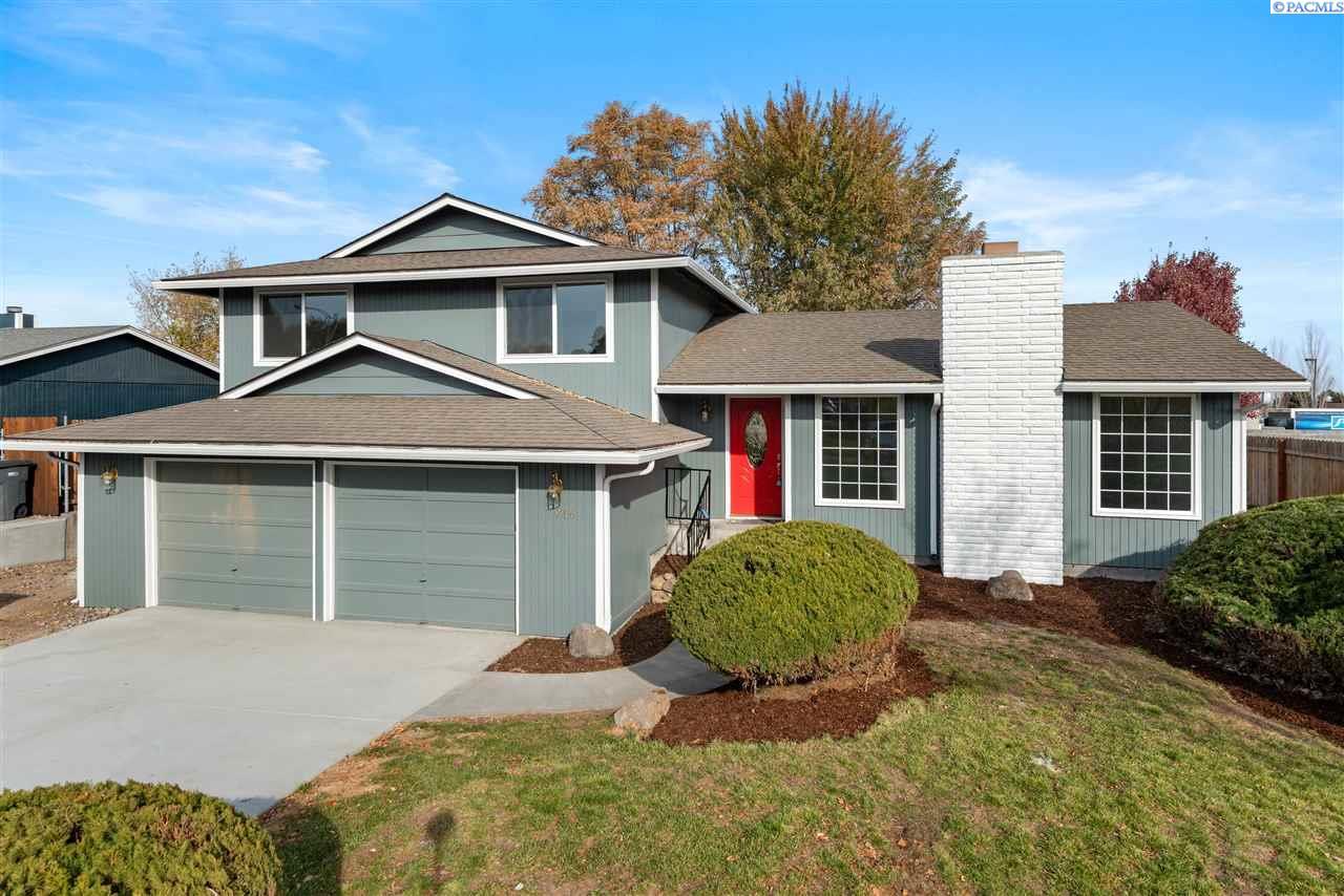 Single Family Homes for Sale at 7916 W Imnaha Kennewick, Washington 99337 United States