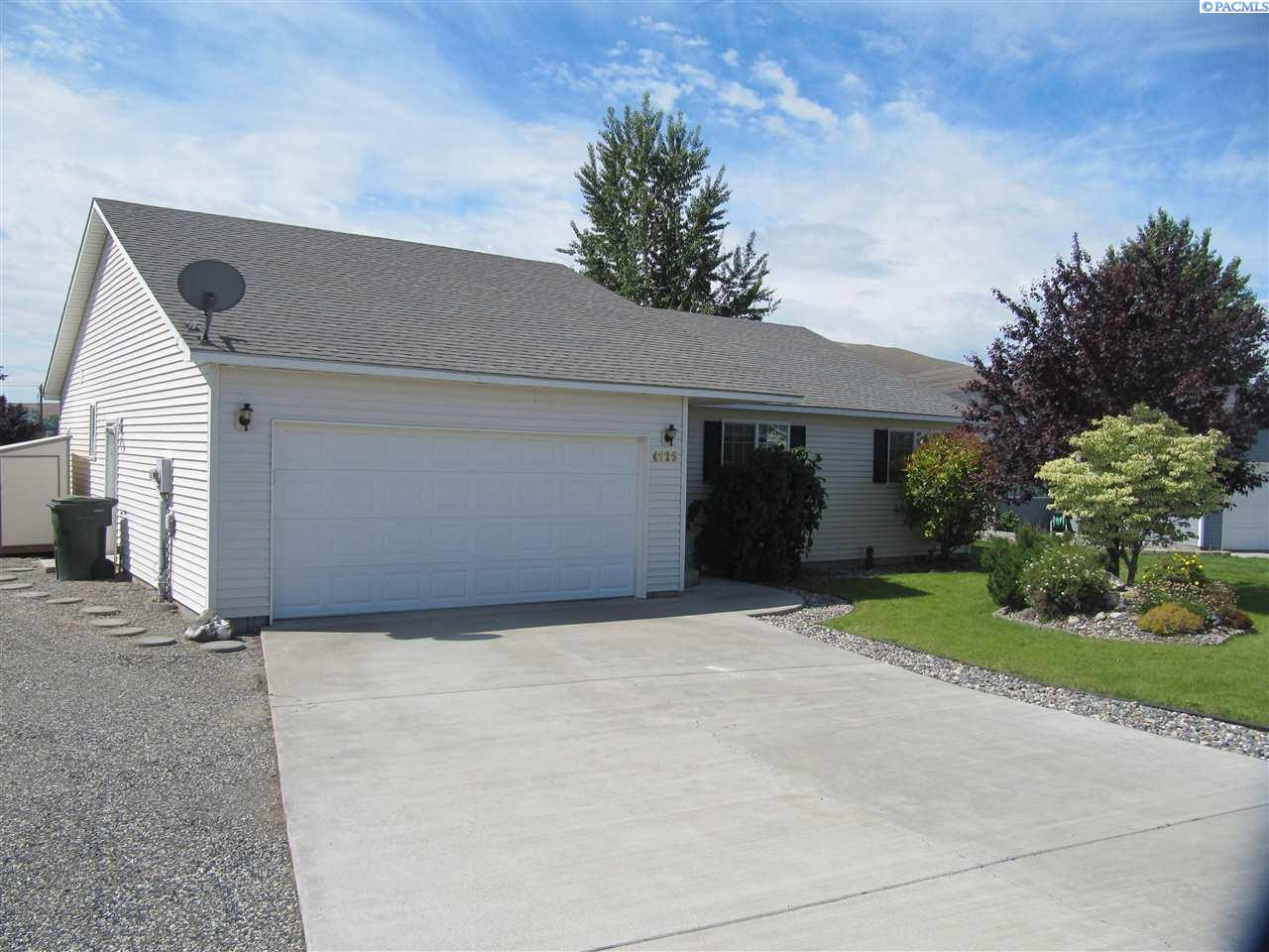 Single Family Homes for Rent at 4525 Sunglow Court West Richland, Washington 99353 United States