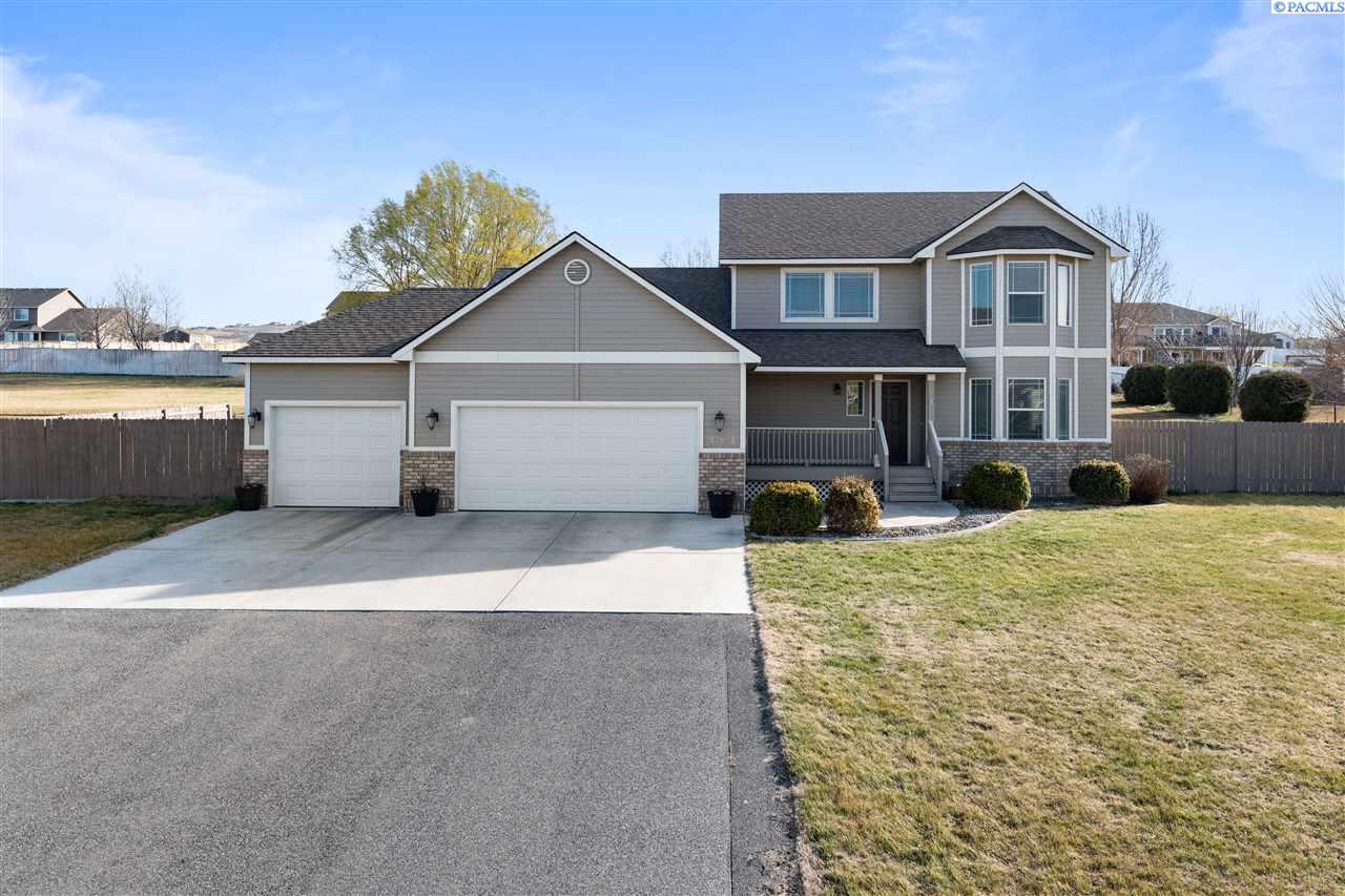 Single Family Homes for Sale at 97909 Kase Blvd Kennewick, Washington 99338 United States