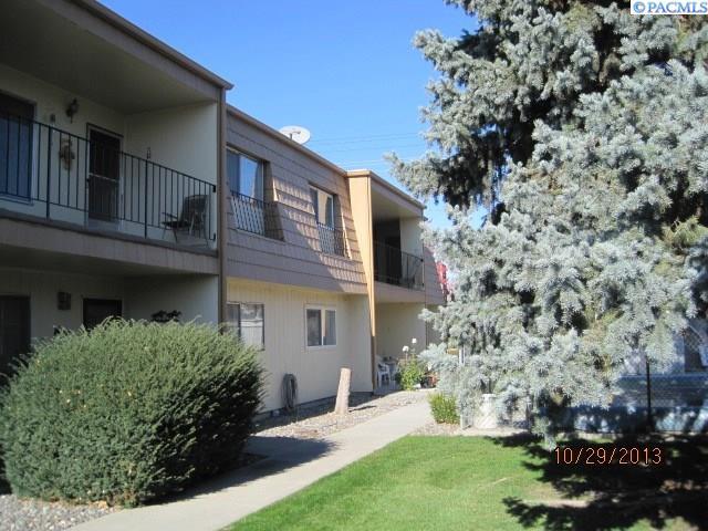 Single Family Homes for Sale at 2383 Hood Avenue Richland, Washington 99354 United States