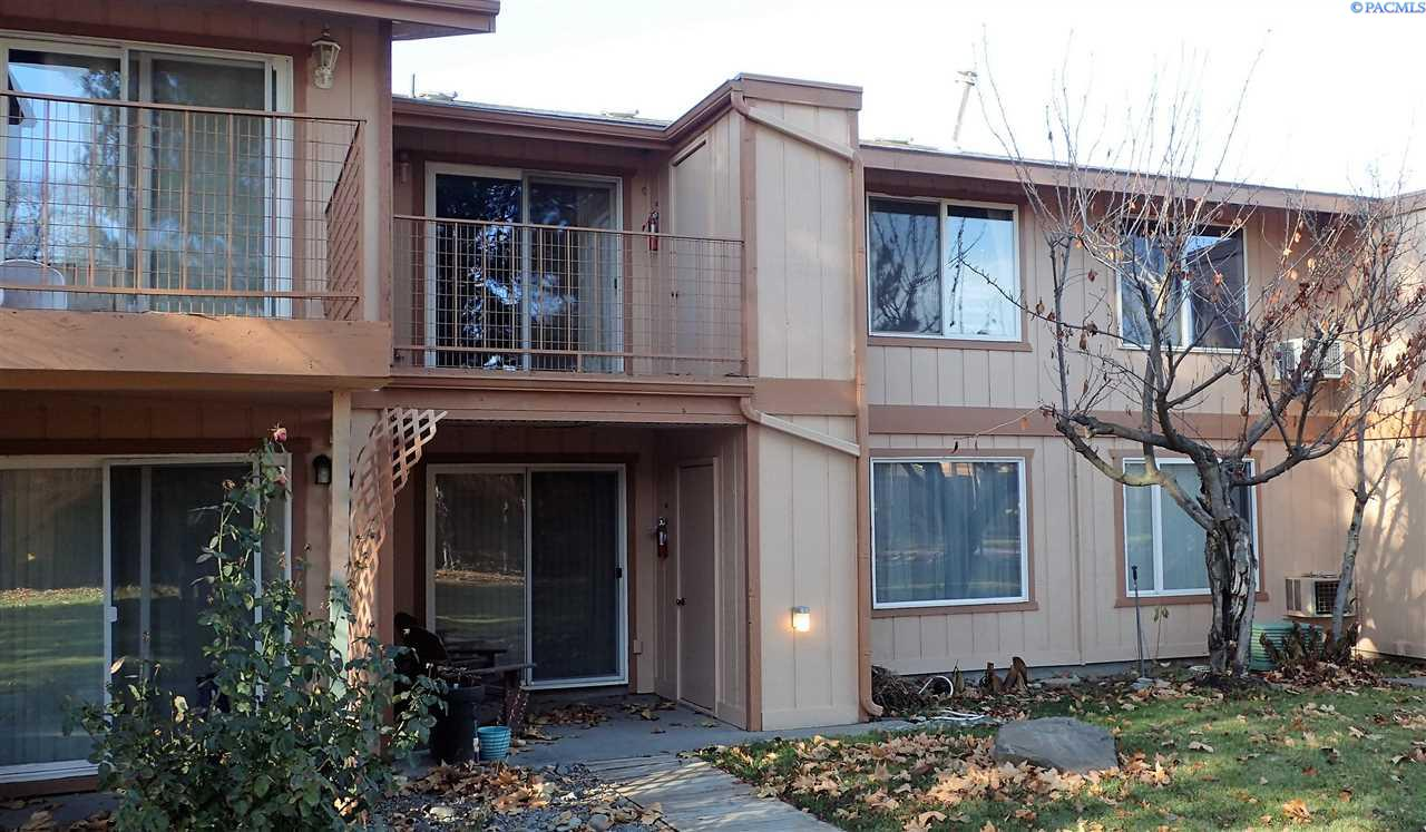 Condominiums for Sale at 3121 W Hood Ave. H-205 Kennewick, Washington 99336 United States
