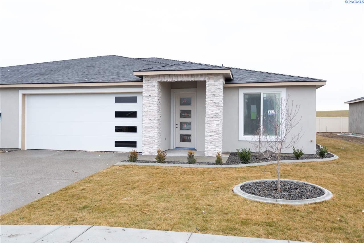 Single Family Homes for Sale at 2250 VENETO Street Richland, Washington 99354 United States
