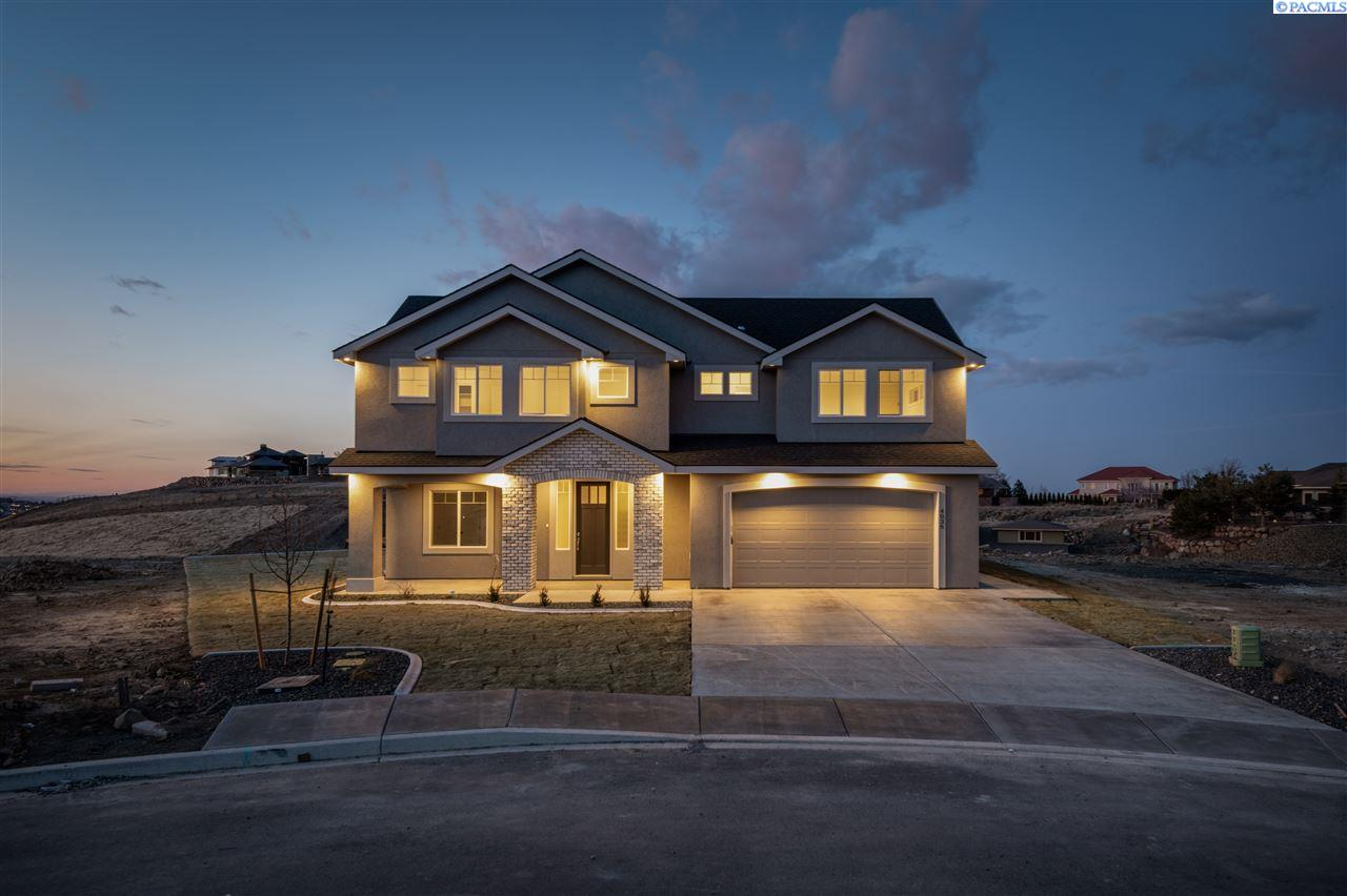 Single Family Homes for Sale at 4036 W 47th Court Kennewick, Washington 99337 United States