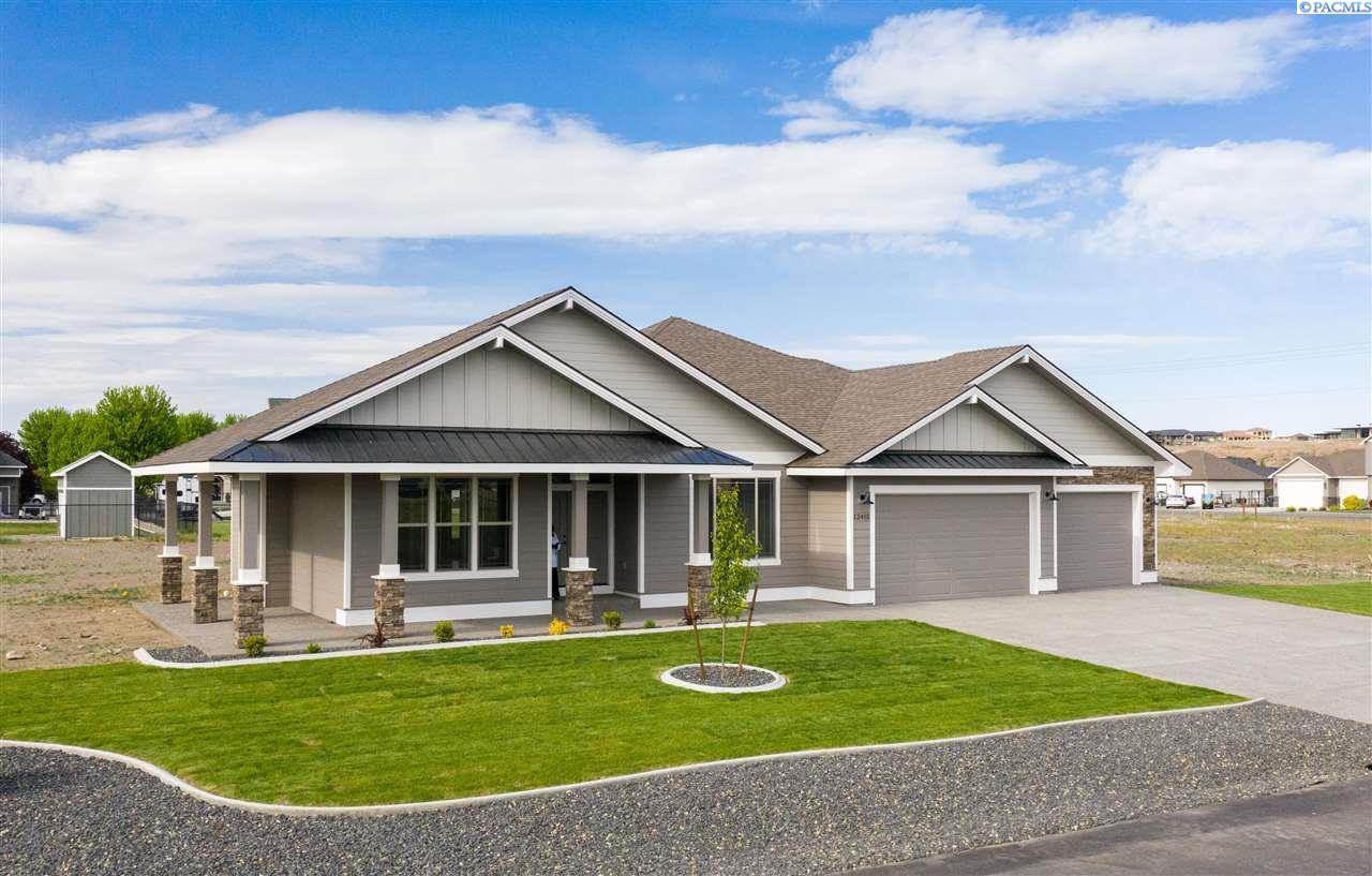 Single Family Homes for Sale at 12415 Hunter Pasco, Washington 99301 United States