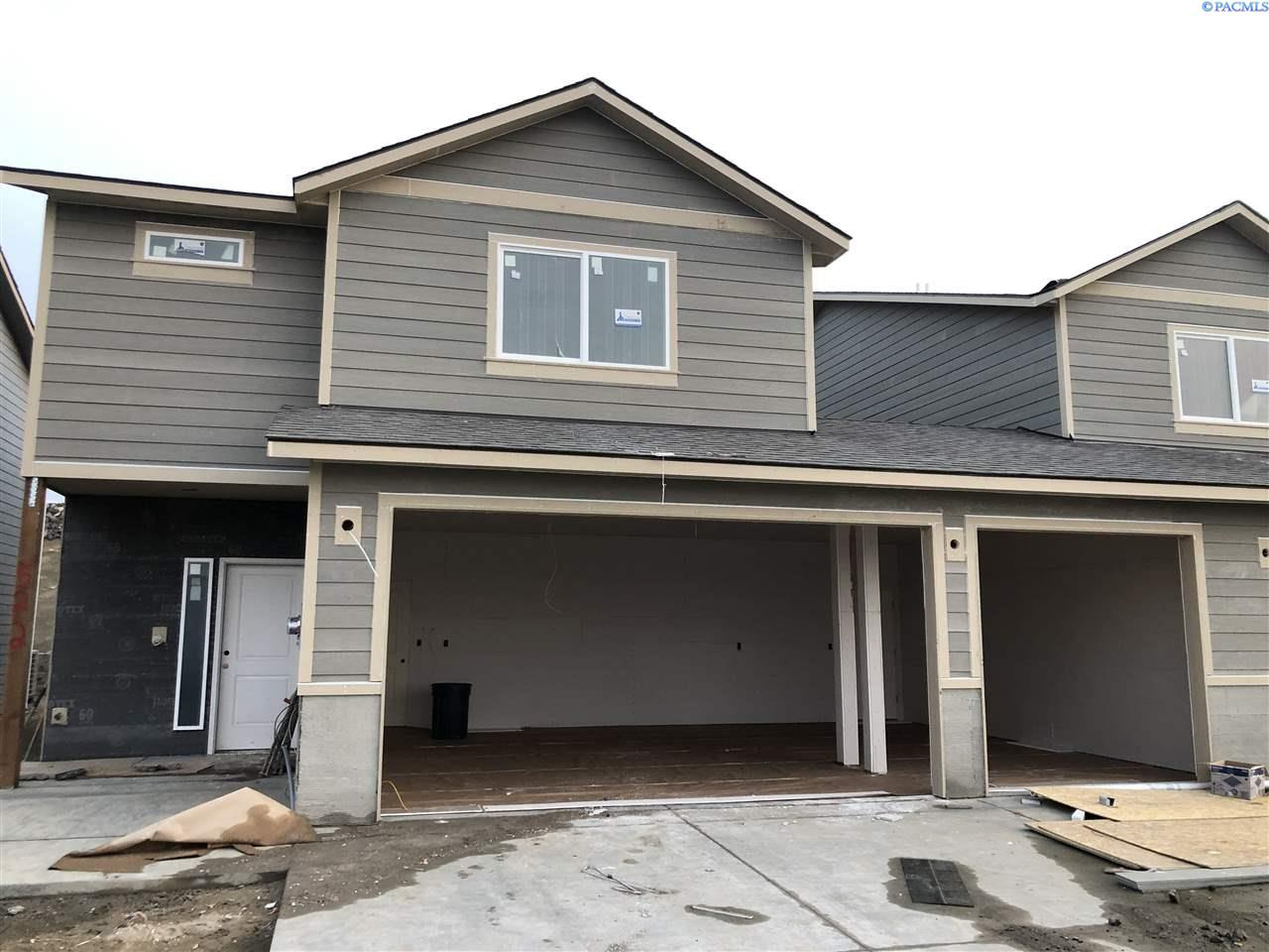 Single Family Homes for Sale at 522 Bedrock Loop West Richland, Washington 99353 United States
