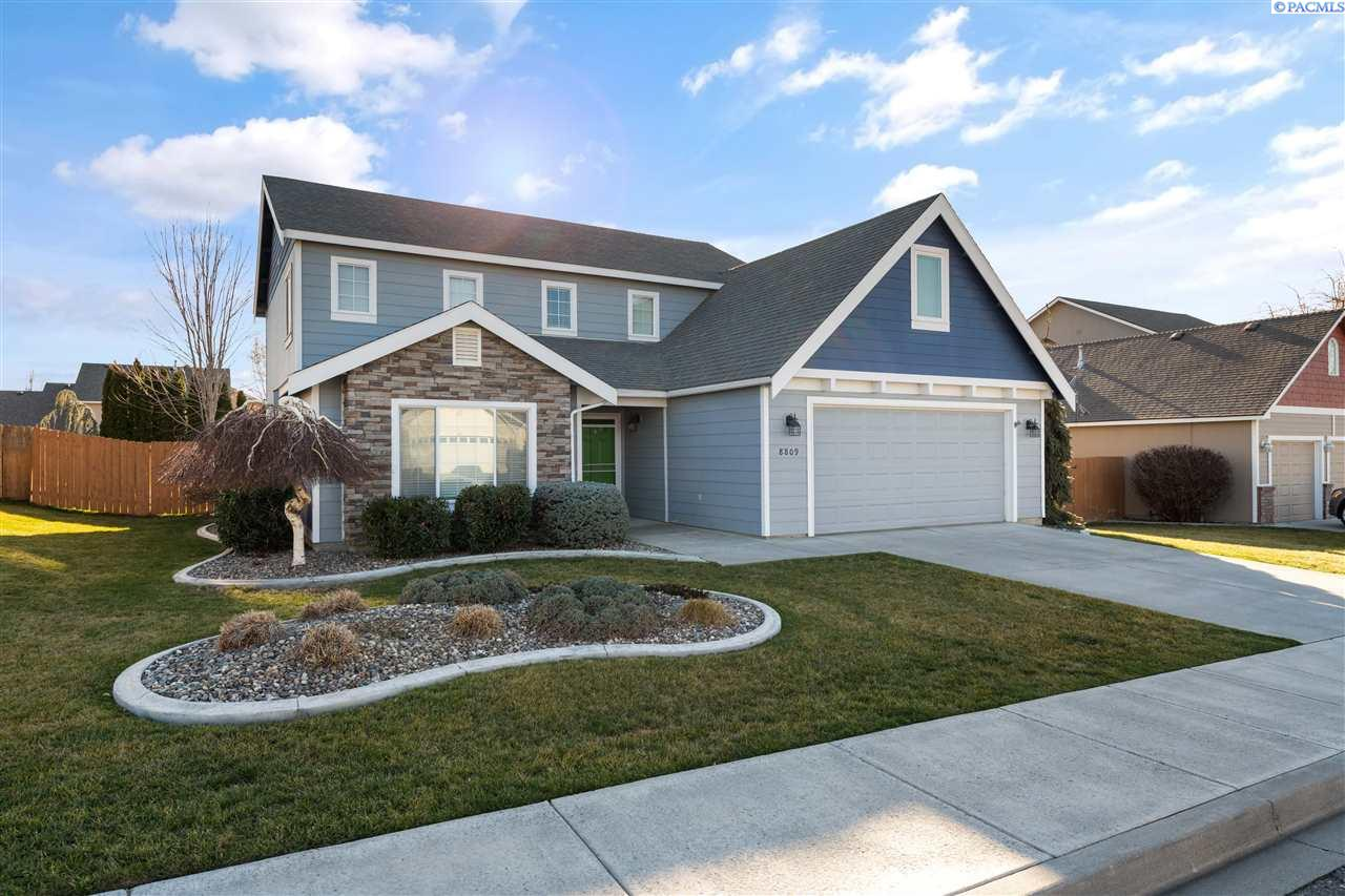Single Family Homes for Sale at 8809 W 1st Avenue Kennewick, Washington 99336 United States