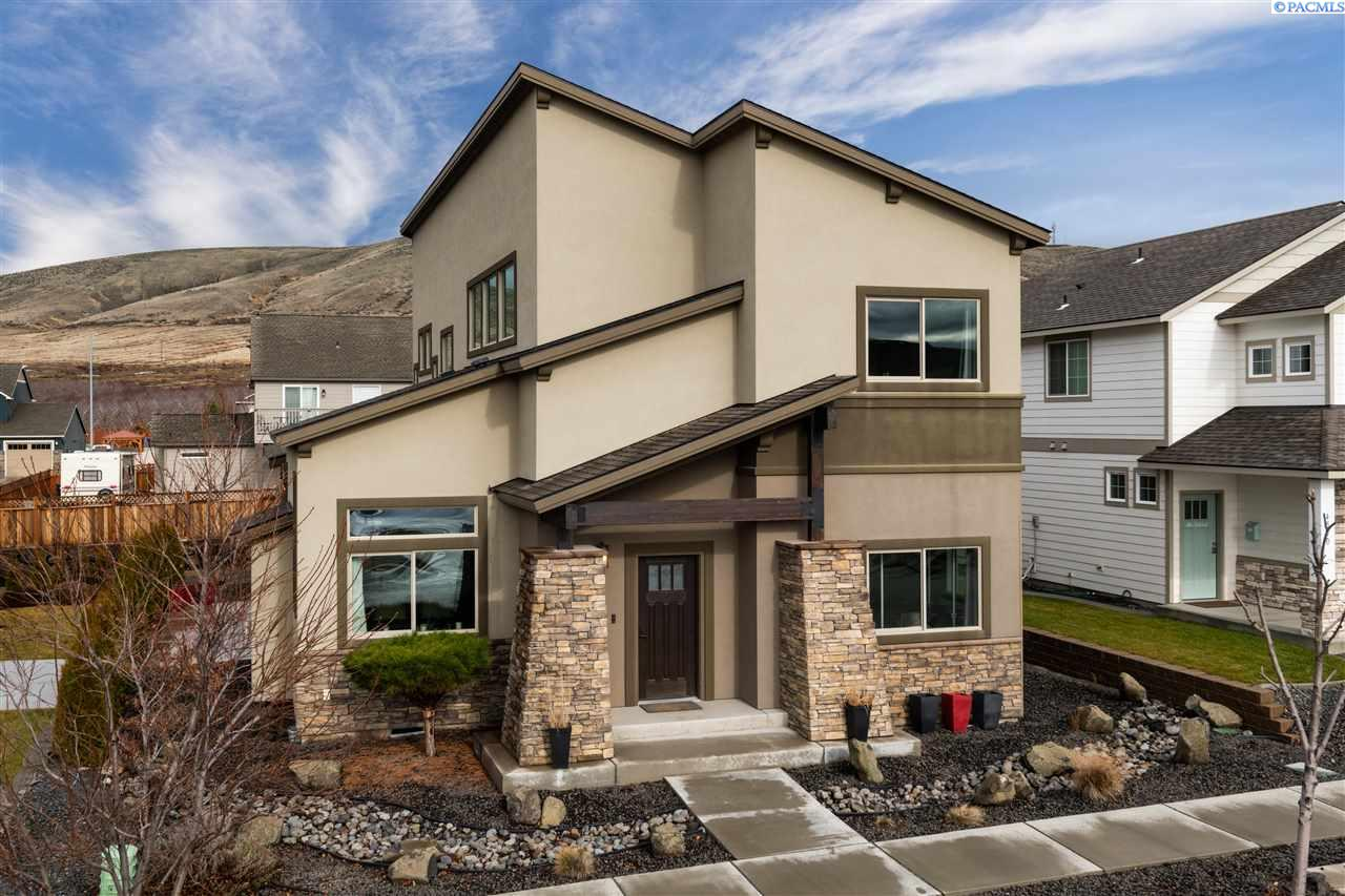 Single Family Homes for Sale at 4552 Corvina Street Richland, Washington 99354 United States