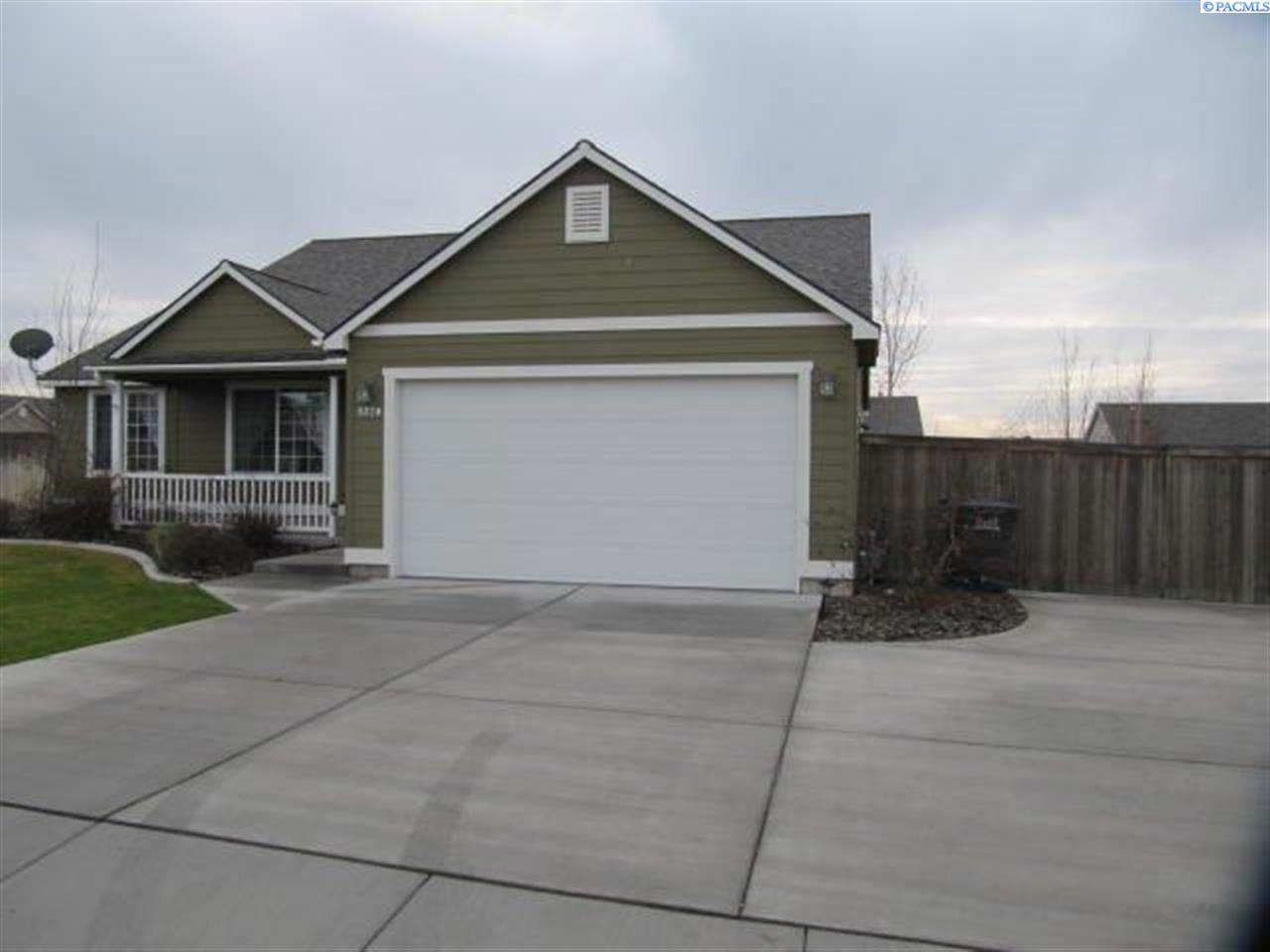 Single Family Homes for Rent at 9320 Dunsmuir Drive Pasco, Washington 99301 United States