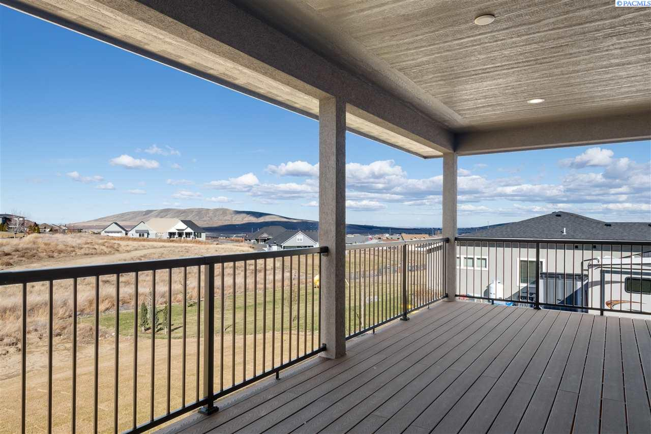 Additional photo for property listing at 82704 E Summit View Drive Kennewick, Washington 99338 United States