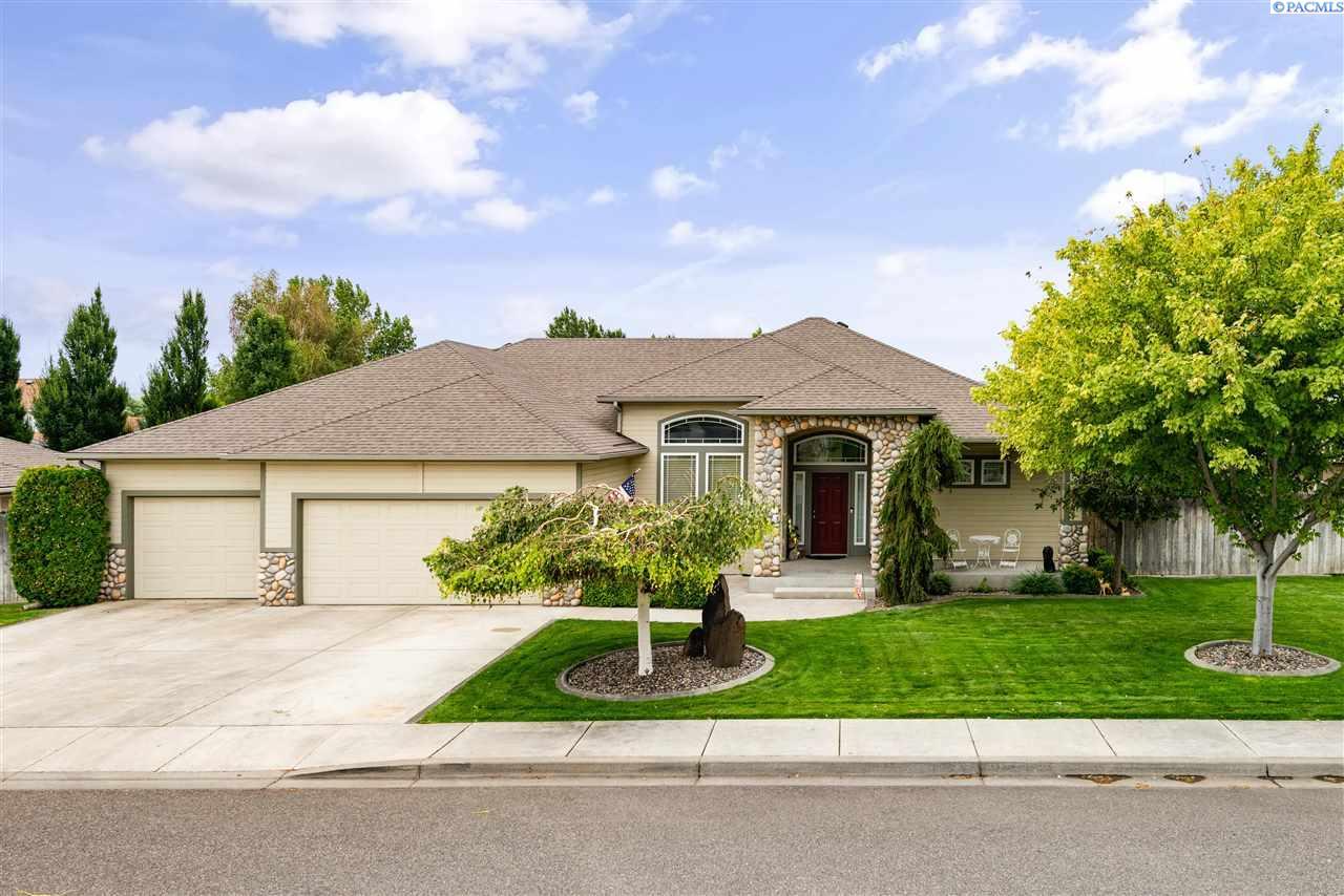 Single Family Homes for Sale at 173 Sell Lane Richland, Washington 99352 United States