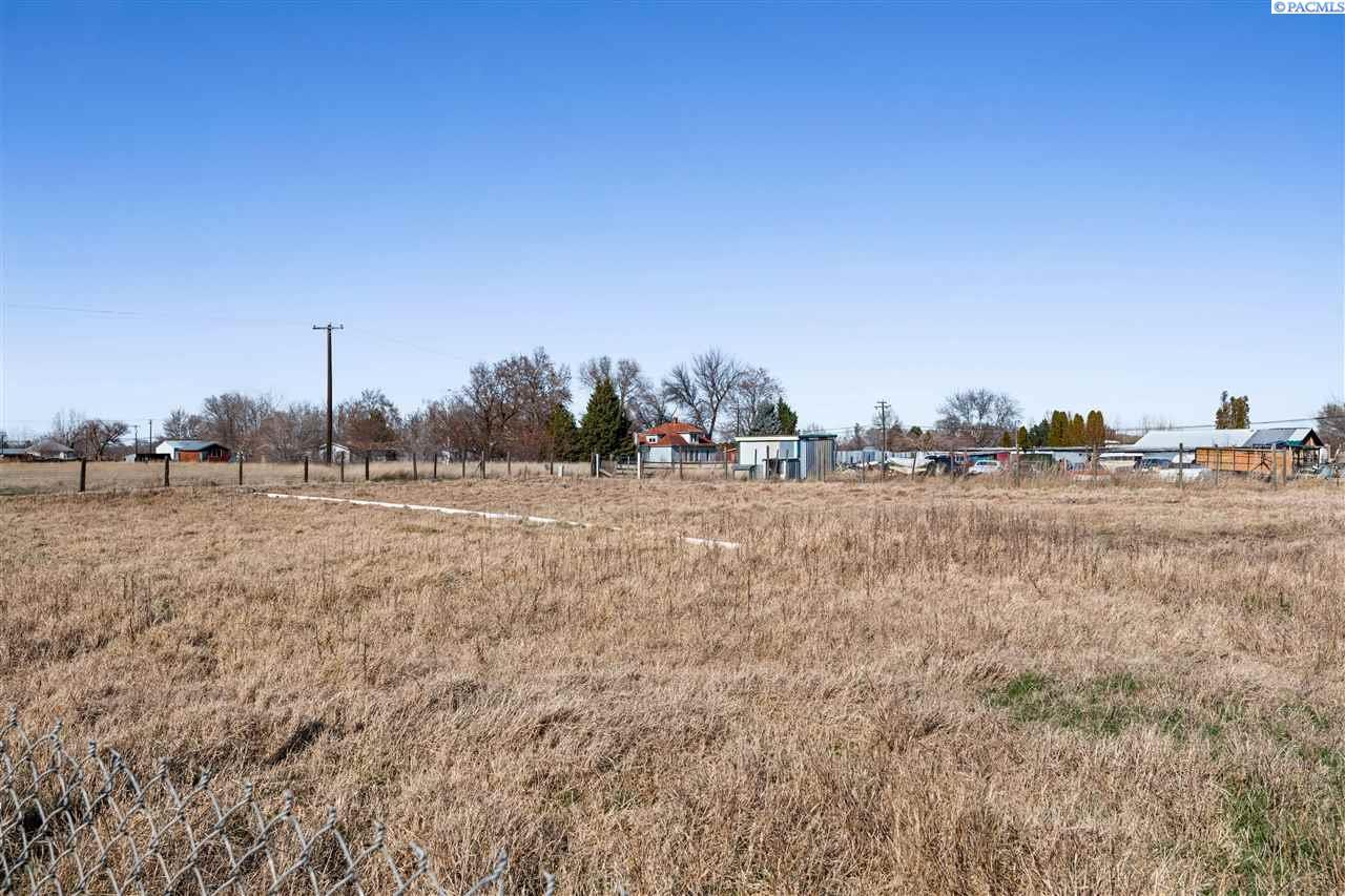 Additional photo for property listing at 33901 S 2243 PR SE Kennewick, Washington 99337 United States