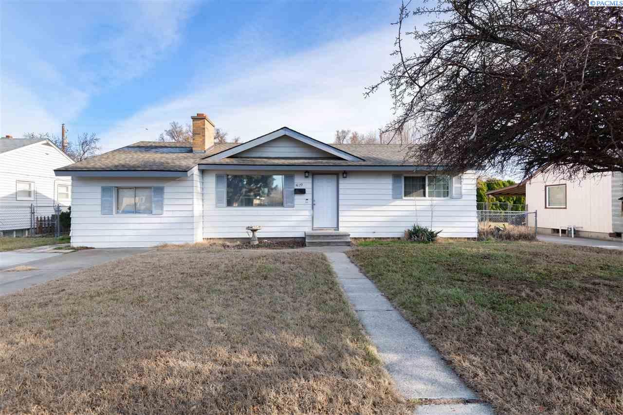 Single Family Homes for Sale at 1627 S Dayton Place Kennewick, Washington 99337 United States