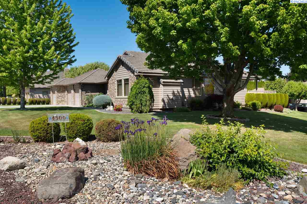 Single Family Homes for Sale at 4500 W 19th Avenue Kennewick, Washington 99338 United States