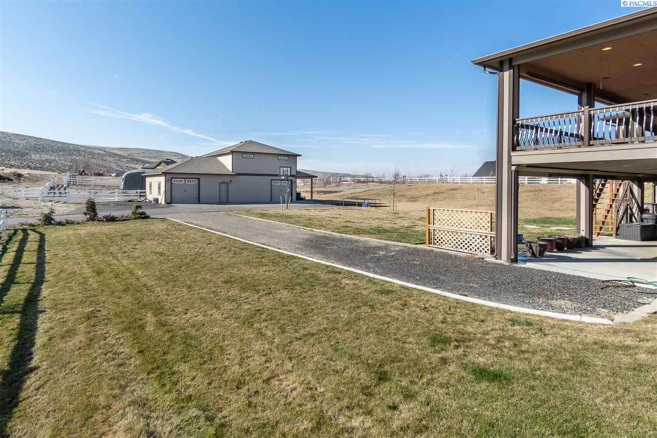 Additional photo for property listing at 77345 Country Heights Drive Kennewick, Washington 99338 United States