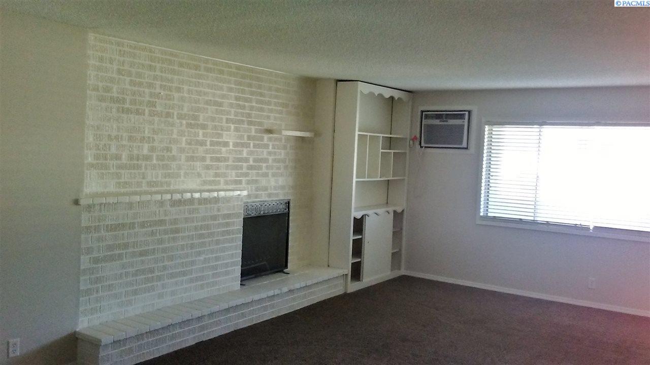 Single Family Homes for Sale at 1309 Goethals Dr. Apt G Richland, Washington 99353 United States