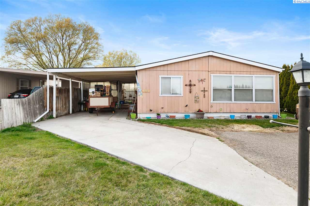 Manufactured Home for Sale at 2917 W 19th Ave, Lot 144 Kennewick, Washington 99337 United States