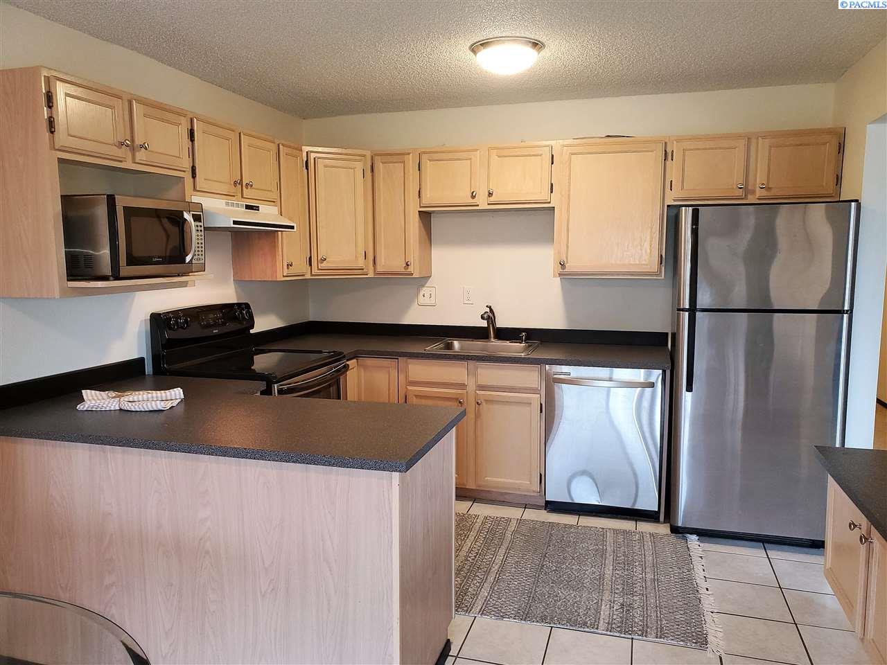 Condominiums for Sale at 303 Gage #301 Richland, Washington 99352 United States
