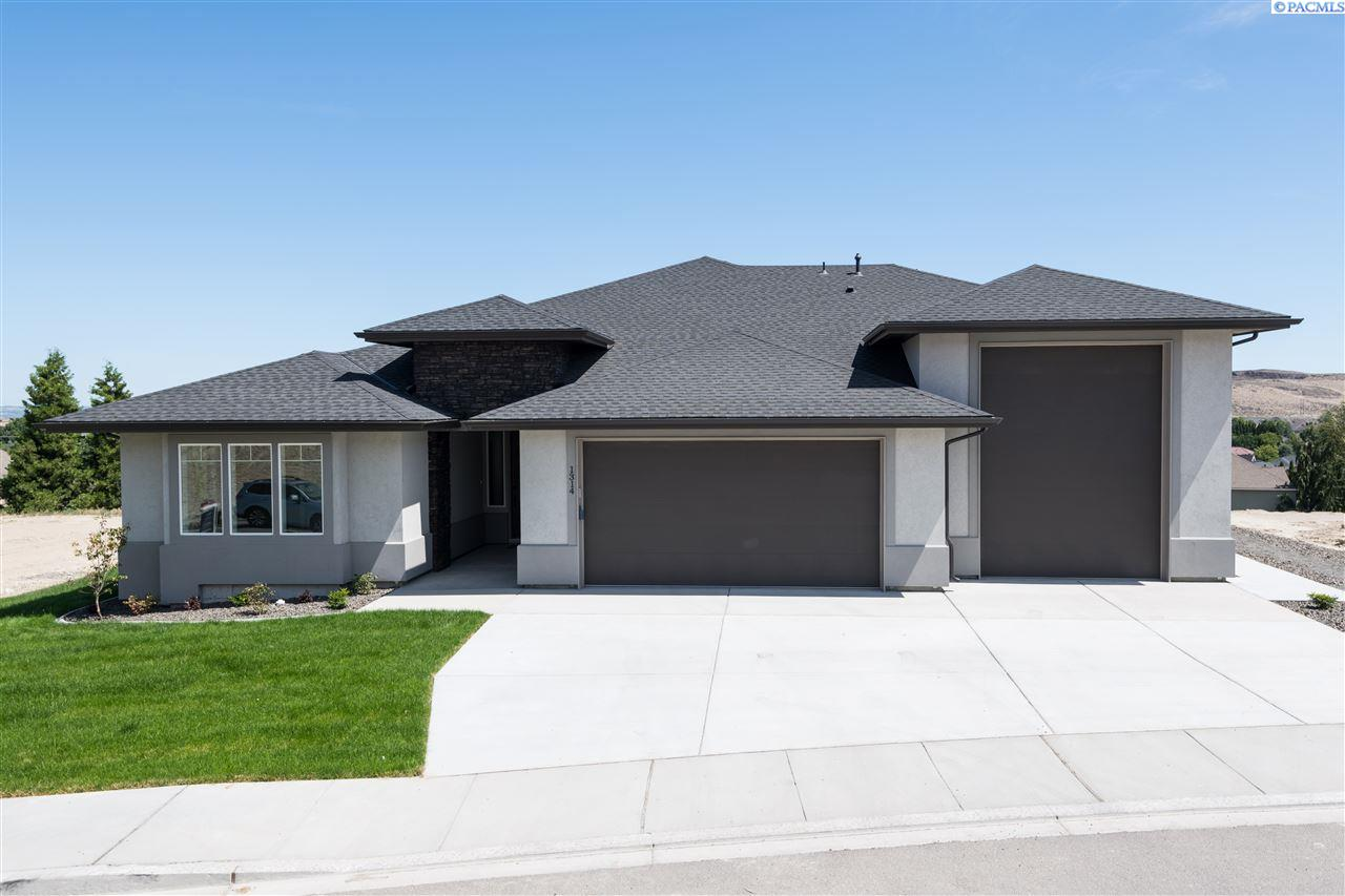 Single Family Homes for Sale at 1314 Medley Drive Richland, Washington 99352 United States