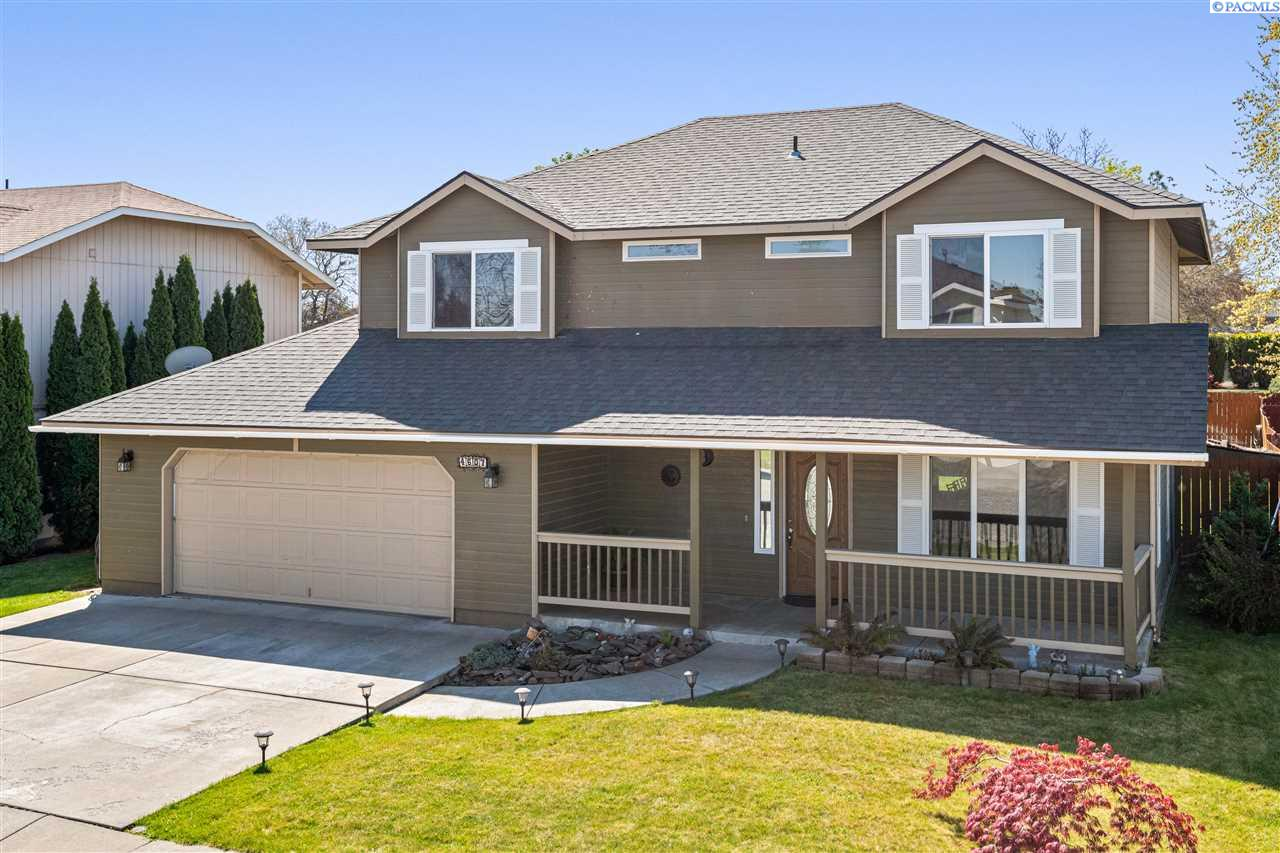 Single Family Homes for Sale at 4607 W Grand Ronde Avenue Kennewick, Washington 99336 United States